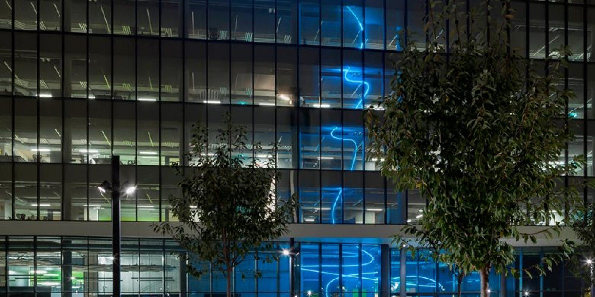 0_Pollice-Illuminazione-Luce-per-lArte_photo-by-Paolo-Riolzi